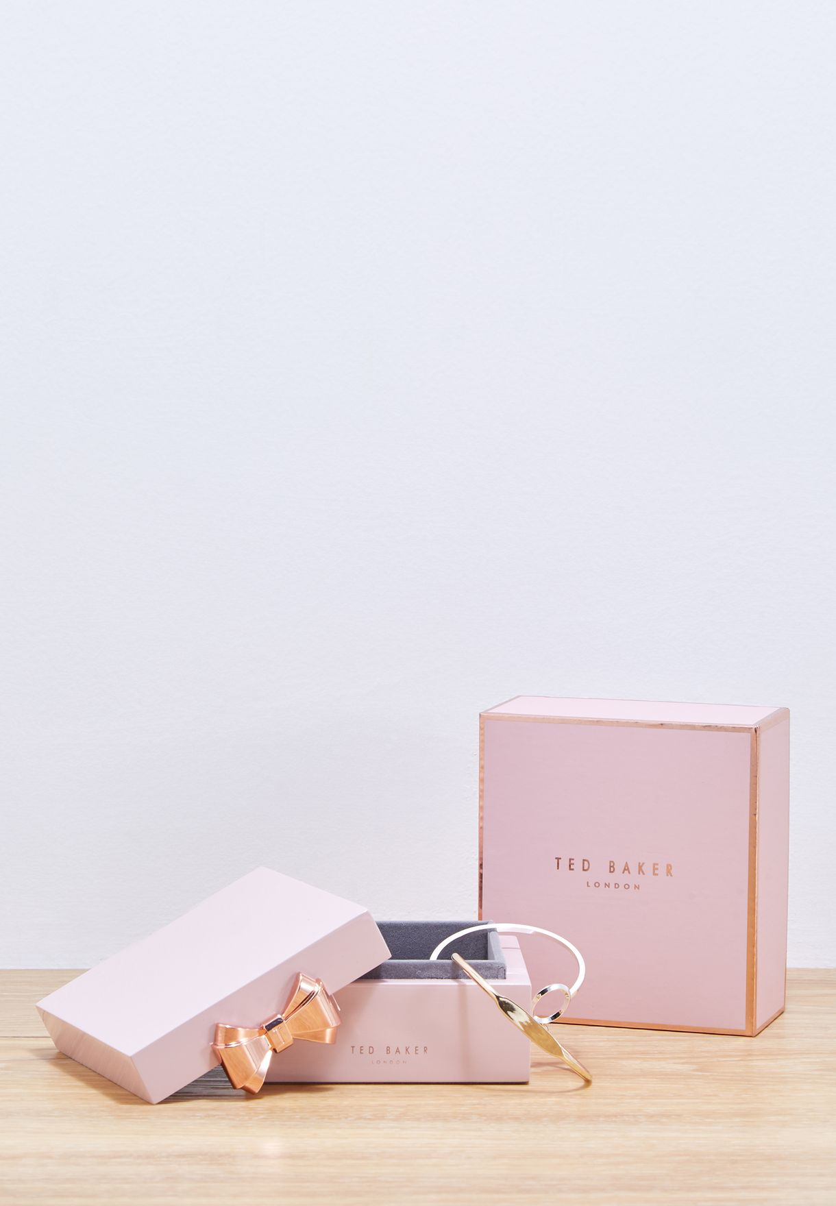 683a474e1 Shop Ted baker pink Small Lacquer Jewellery Box TED364 for Women in ...