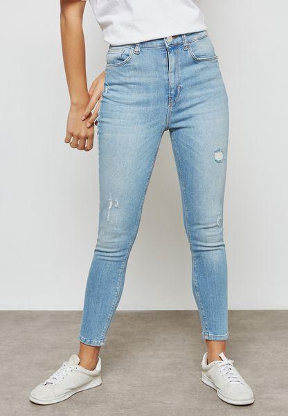 جينز قصير باهت