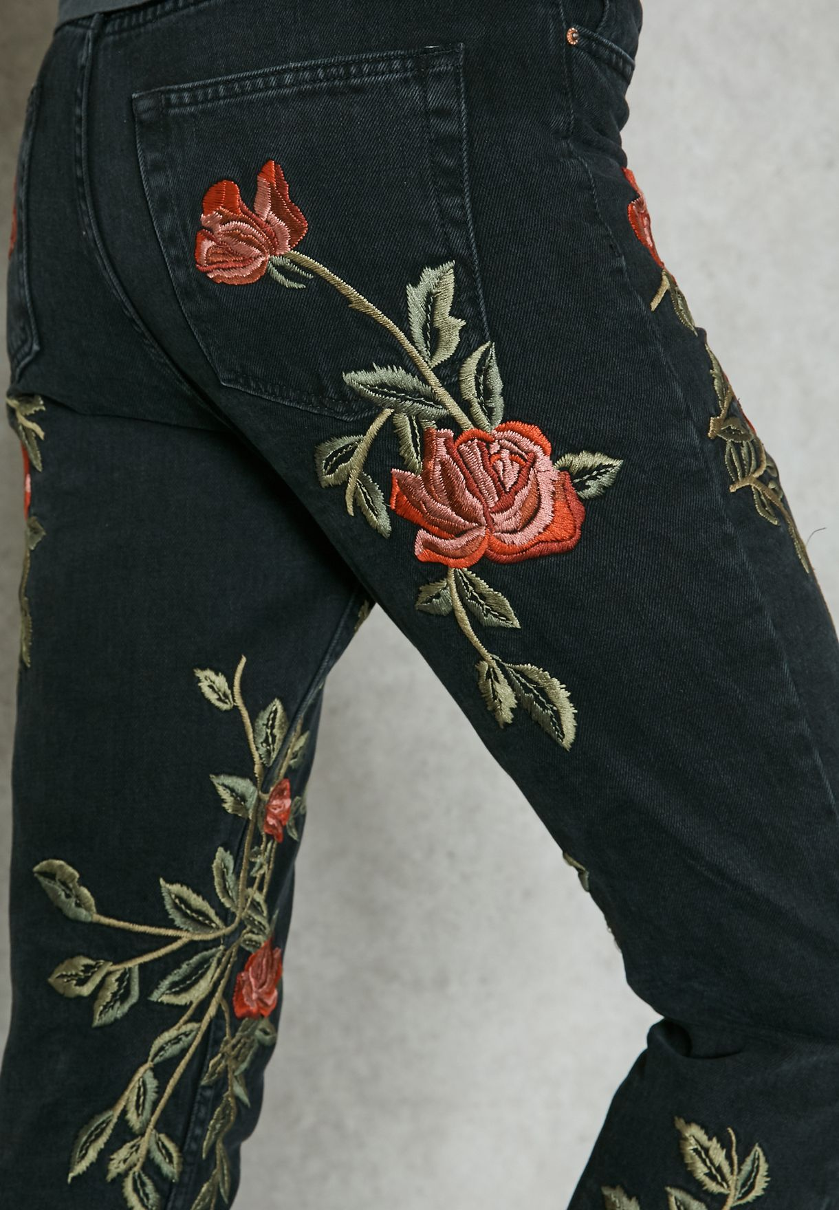 MOTO Rose Embroidered Mom Jeans