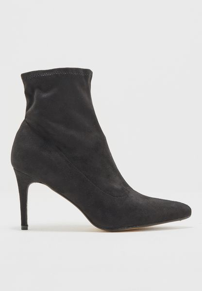 Classic Ankle Boot With Heel