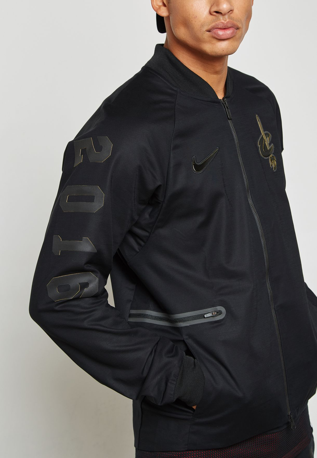 Tropezón Alfabeto Durante ~  Buy Nike black Cleveland Cavaliers Varsity Jacket for Men in Kuwait city,  other cities | 860791-010