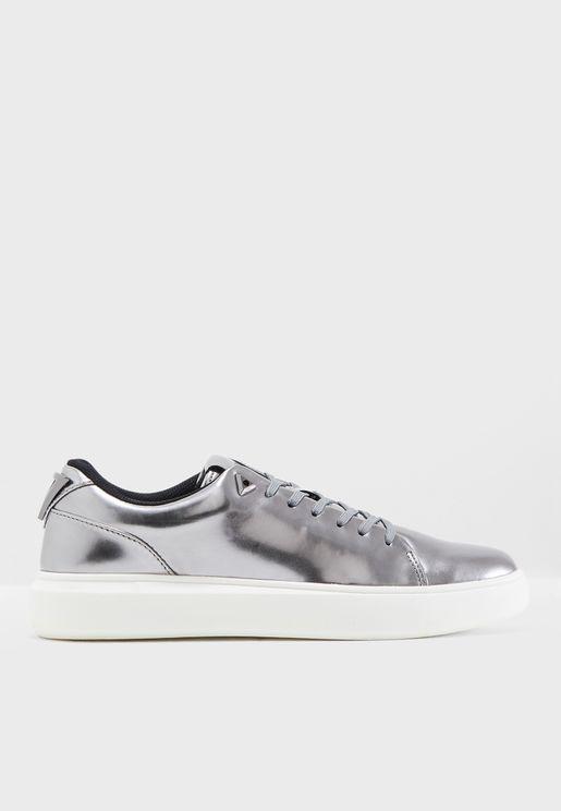 Delacruz Sneakers