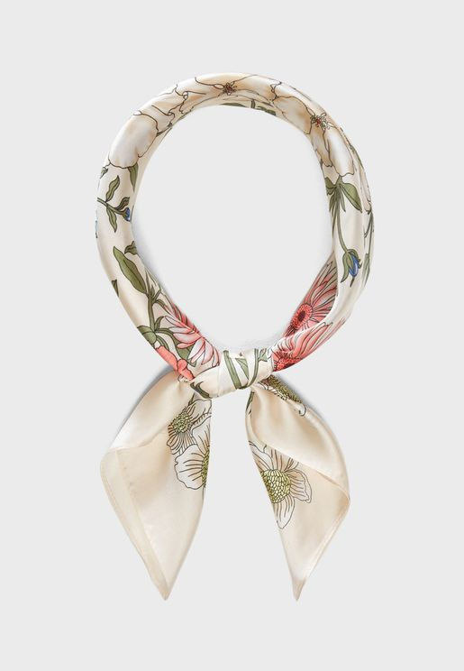 bcb8b412cb93 Scarves for Women | Scarves Online Shopping in Dubai, Abu Dhabi, UAE ...