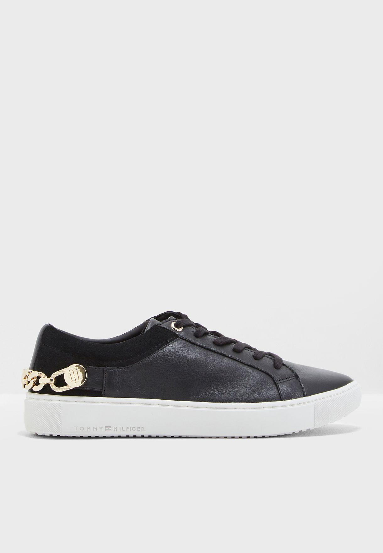 1b5d4f9b3 Shop Tommy Hilfiger black Tommy Chain Flag Sneaker FW0FW03265 for ...