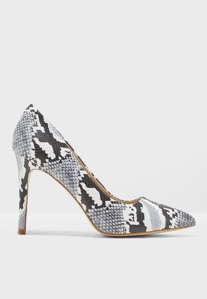 Snake Pointed Court Shoes