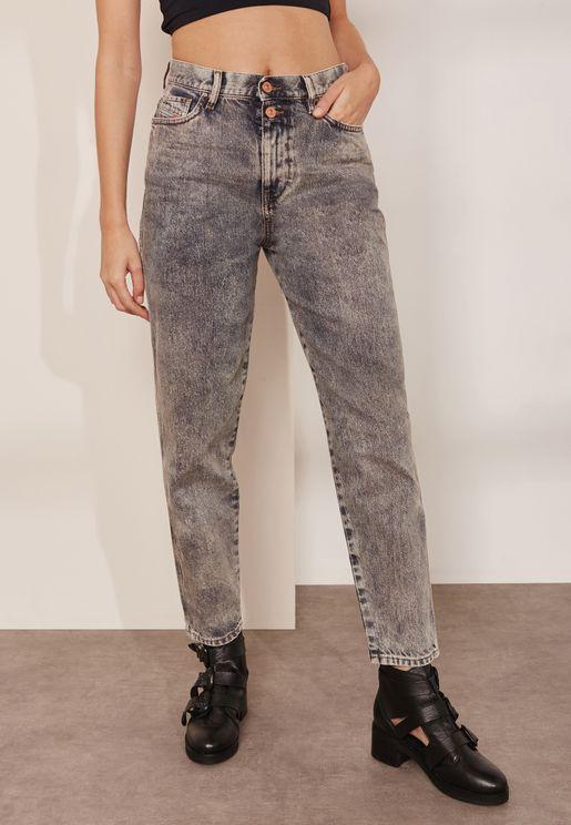 Button Fastening Mid Rise Boyfriend Jeans