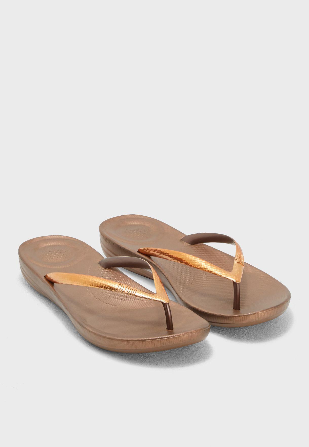 5435e9812c70c Shop Fitflop bronze Iqushion Ergonomic Flip-Flops M17-488 for Women ...