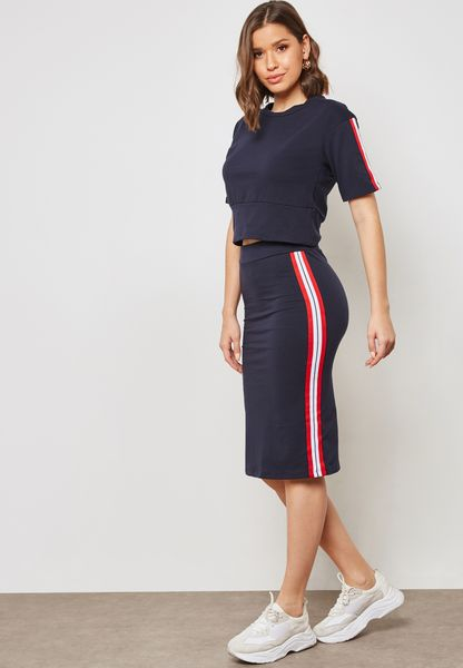 Contrast Side Paneled Skirt Set