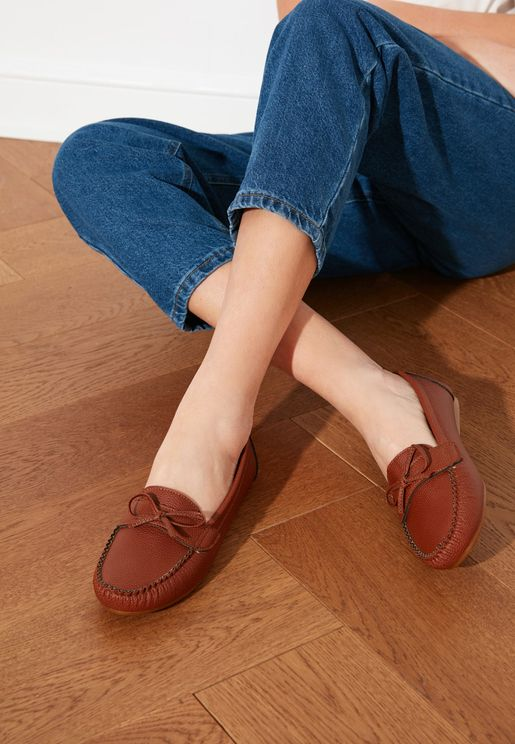 Bow Detail Moccasin