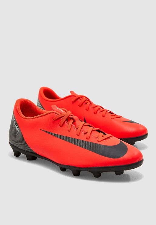 حذاء فابور 12 كلوب سي آر 7 للأسطح الصلبة