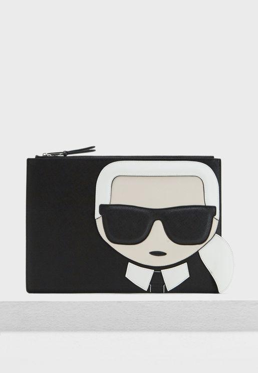 محفظة مزينة بطبعة شعار الماركة