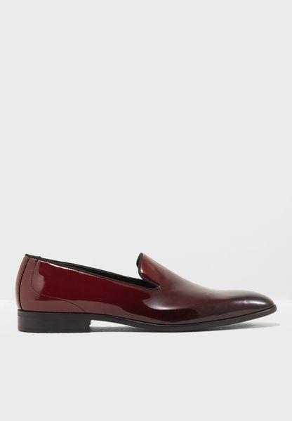 حذاء رسمي لامع
