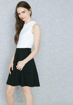 فستان مطرز بالترتر
