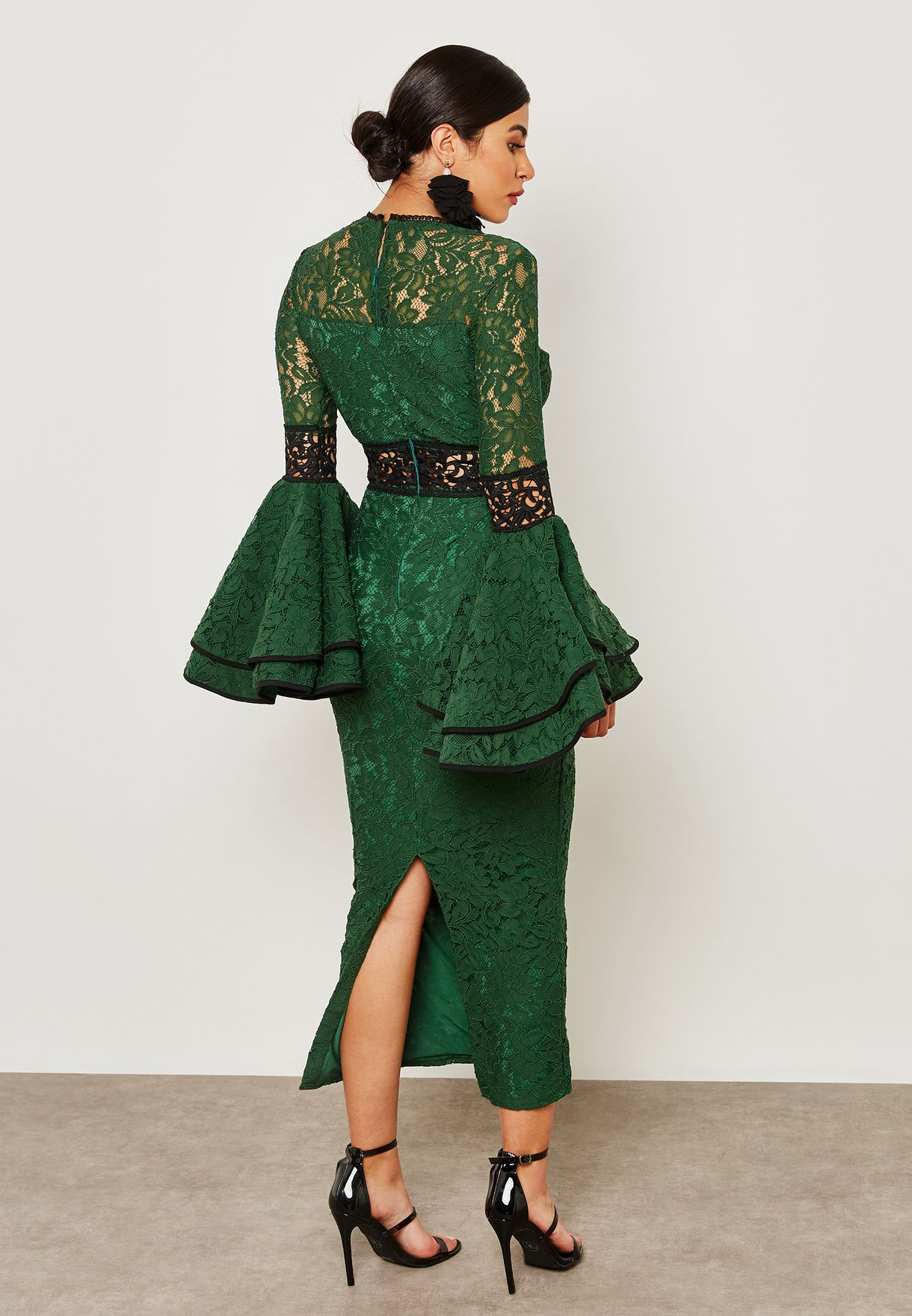 فستان بأكمام دانتيل كشكش