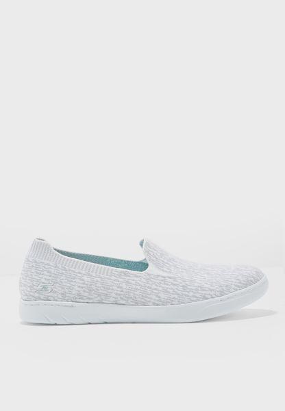 حذاء ميلينيال