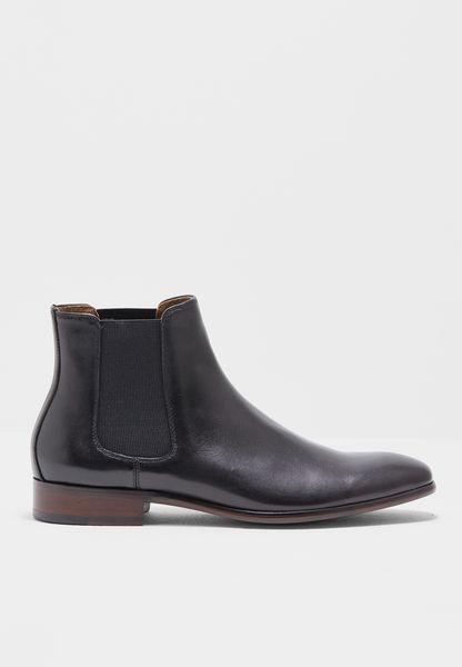 Aradowen Boots