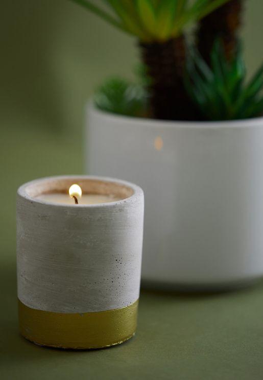 شمعة من السيراميك برائحة العنبر والدخان الخرساني