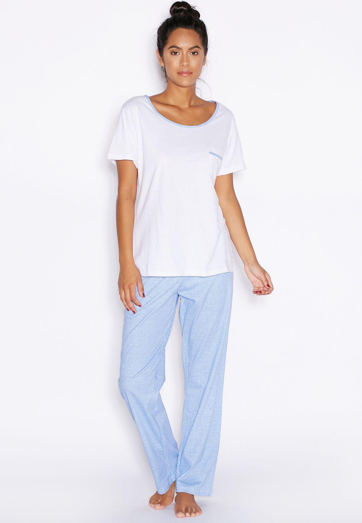 a09e56704d2 Shop Love To Lounge multicolor Contrast Trim Pyjama Set for Women in ...