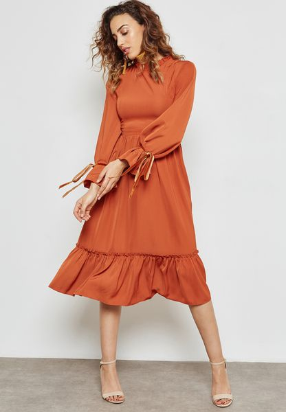Ruffle Detail Tie Cuffed Dress
