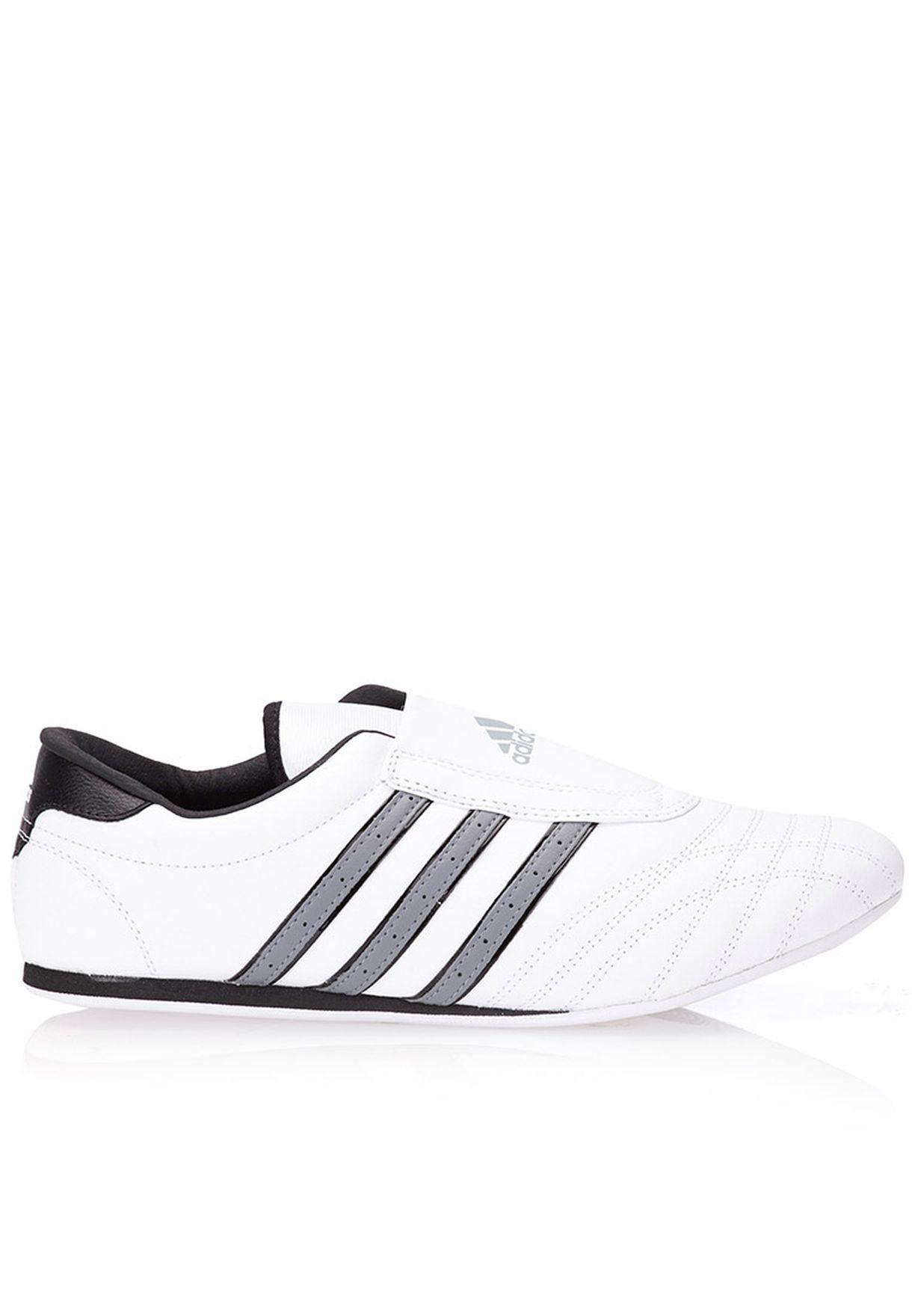d4ca258c79326 تسوق حذاء سبورت Taekwondo ماركة اديداس لون أبيض M22731 في السعودية ...