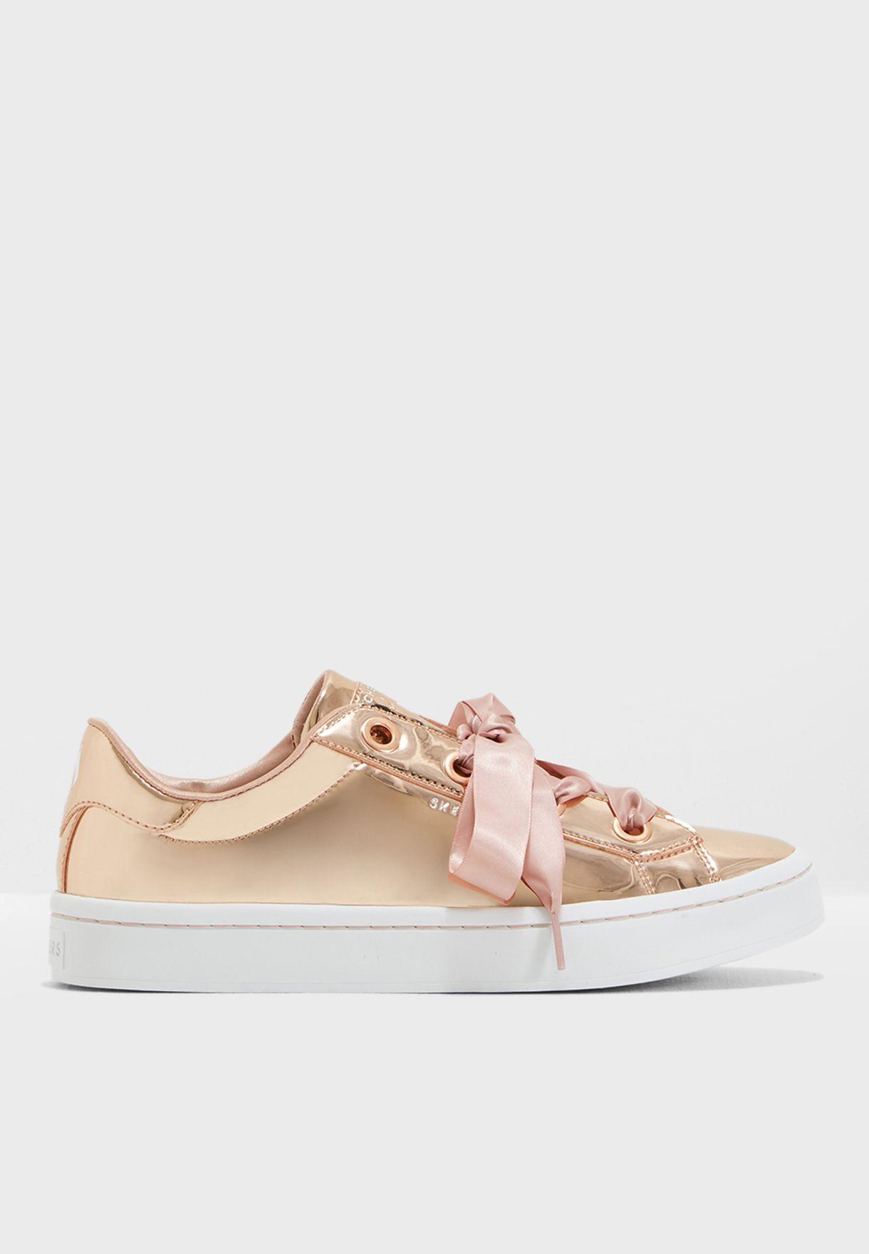 حذاء هاي لايت