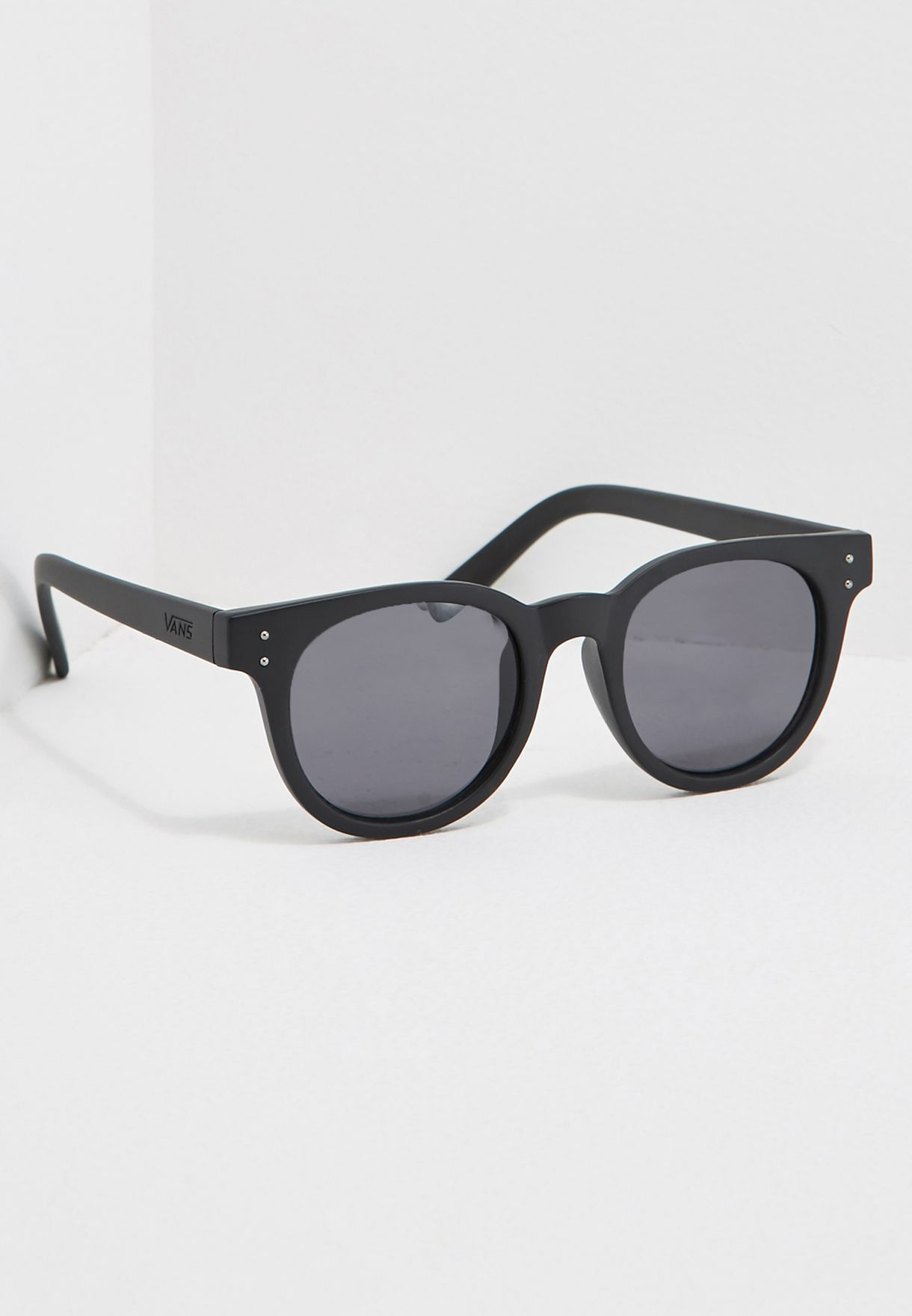 208784a216 Shop Vans black Welborn Sunglasses VA5YOBLK for Men in UAE ...