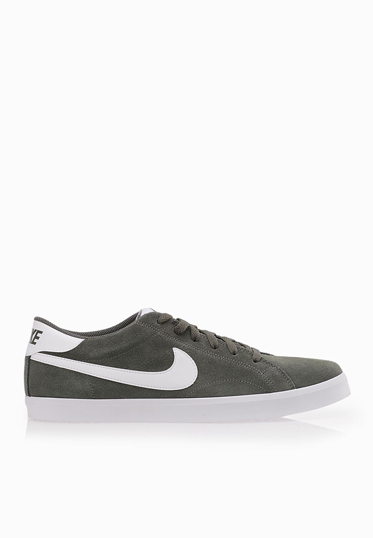Shop Nike green Eastham 555244-015 for Men in Saudi ... 291e4f76c