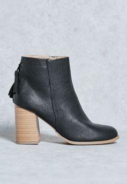 Tralessa Back Fringe Boots