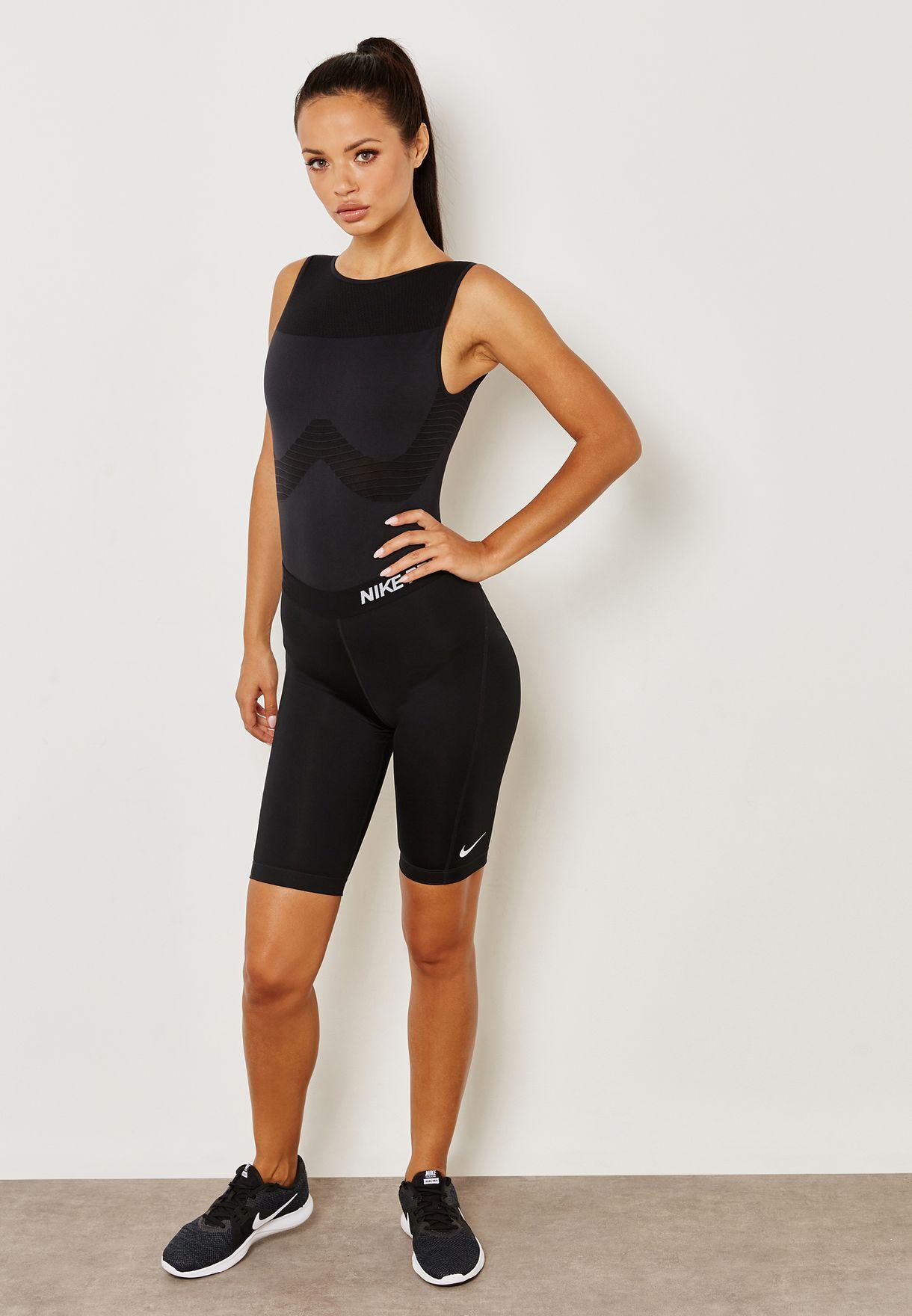 Profesor de escuela cortar Fuera  Buy Nike black Seamless Studio Bodysuit for Women in MENA, Worldwide |  890648-010