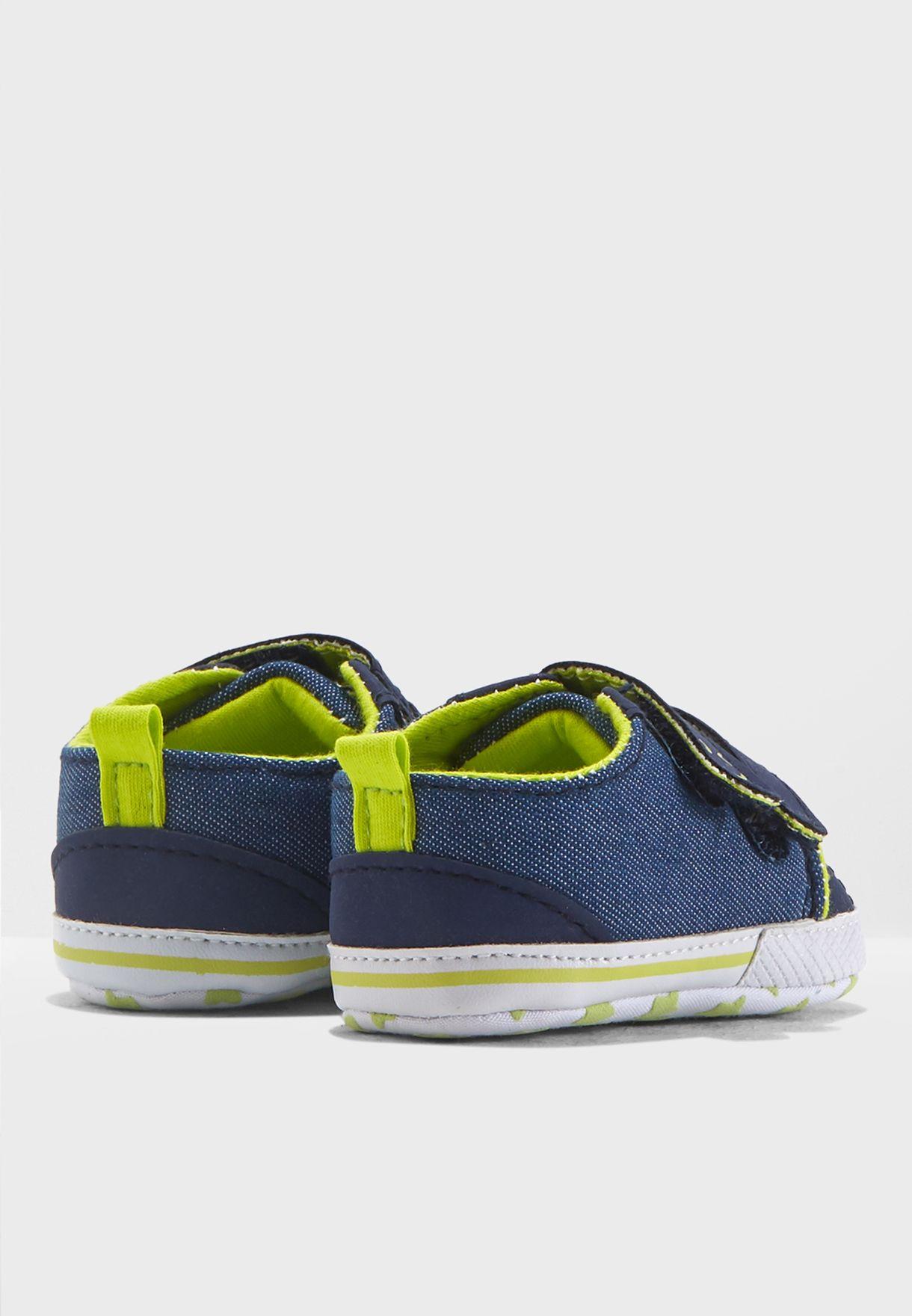 حذاء سنيكرز جينز