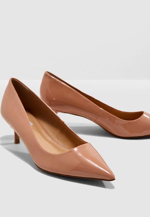 حذاء كلاسيكي بكعب متوسط