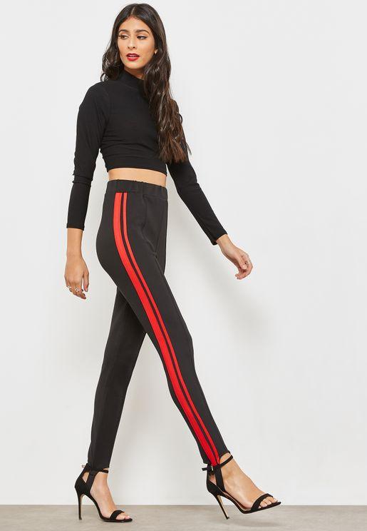 Contrast Side Paneled Stirrup Leggings