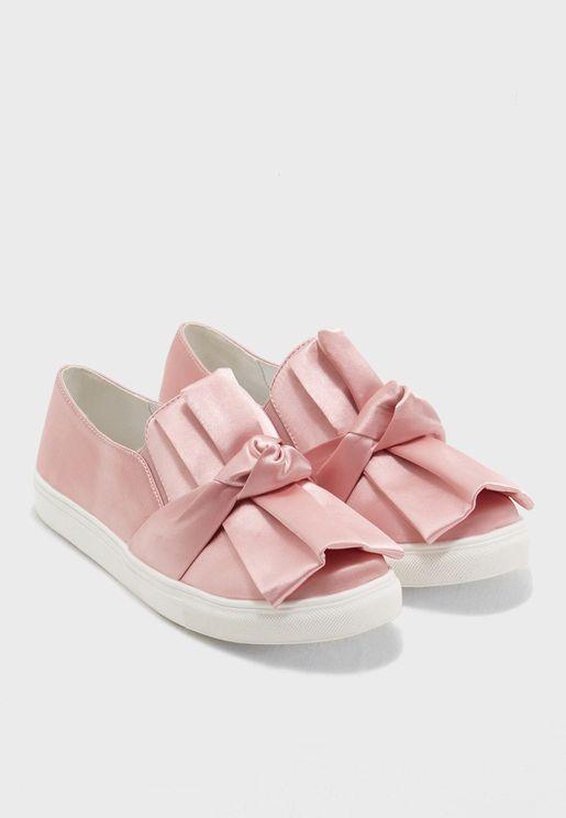 حذاء فلات مزين بفيونكة