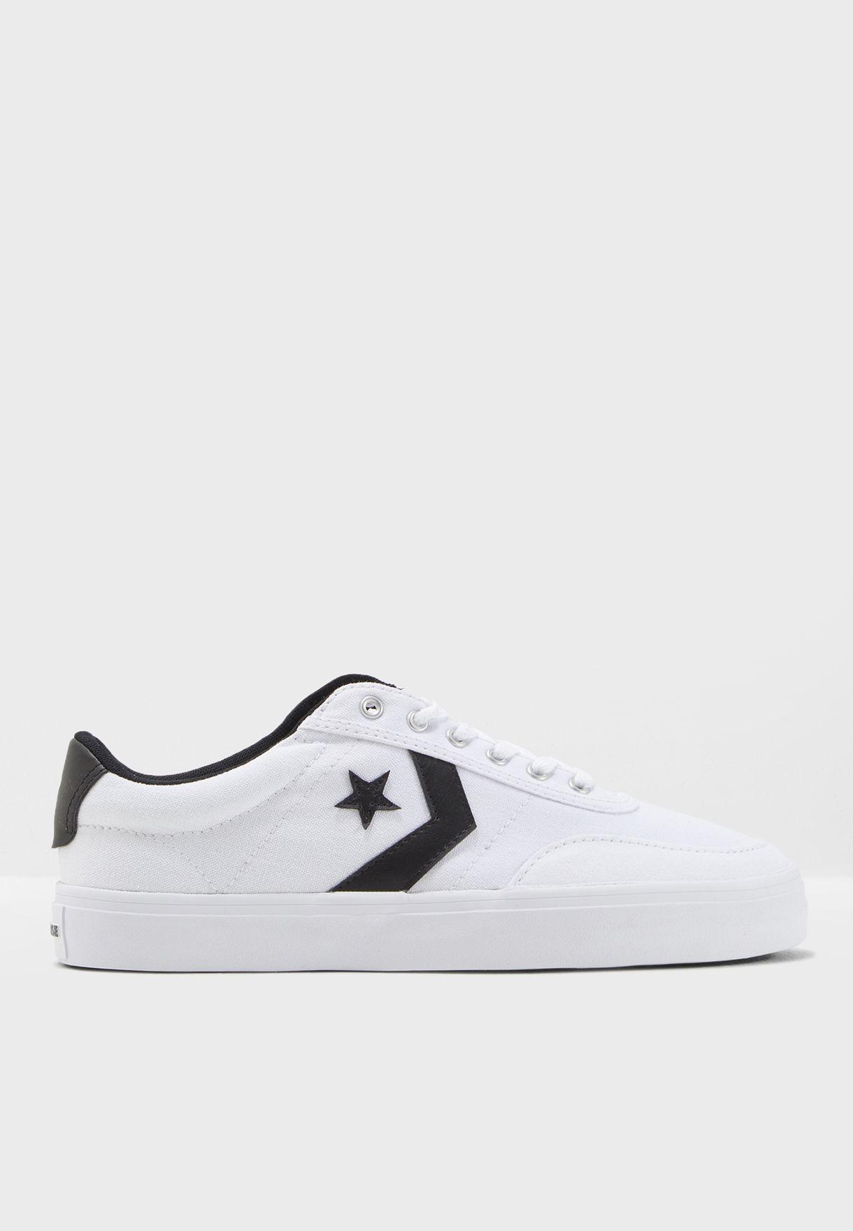 Shop Converse white Courtlandt 161602C-102 for Men in UAE - CO049SH51MOY 62007edf28