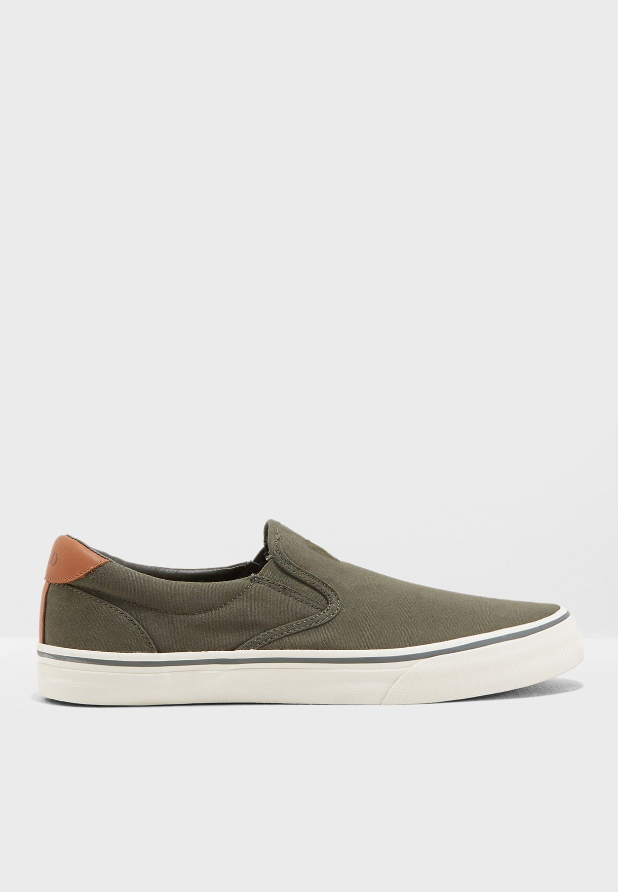 حذاء ثورتون سهل الارتداء