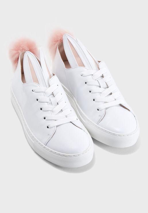 Tail Sneaks Sneaker