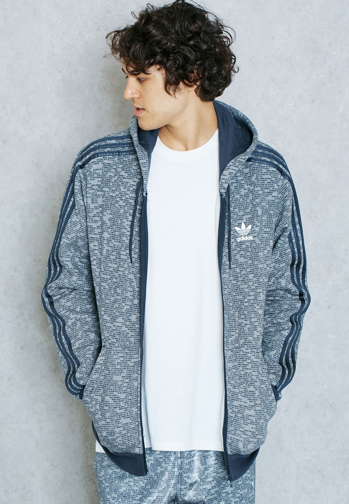 Cíclope cangrejo solamente  Buy adidas Originals grey Essential Full Zip Hoodie for Men in Muscat,  other cities | AY8357