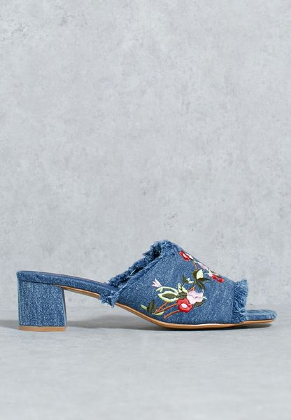 Frayed Denim Trim Embroidery Sandal