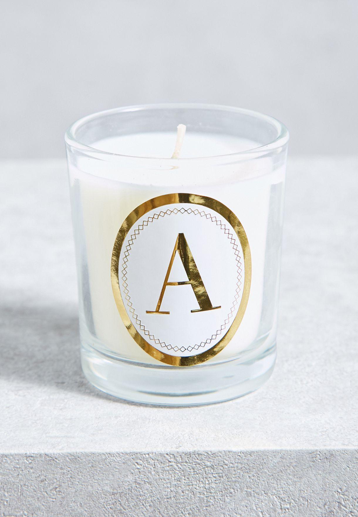 شمعة بطبعة حرف A