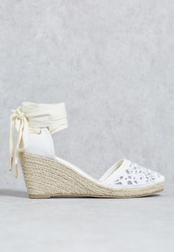 Tie up wedge sandal