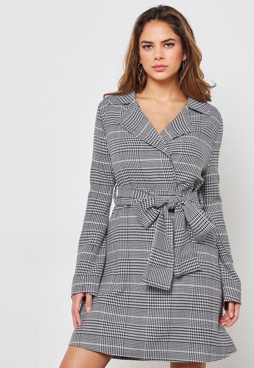 فستان كاروهات باربطة