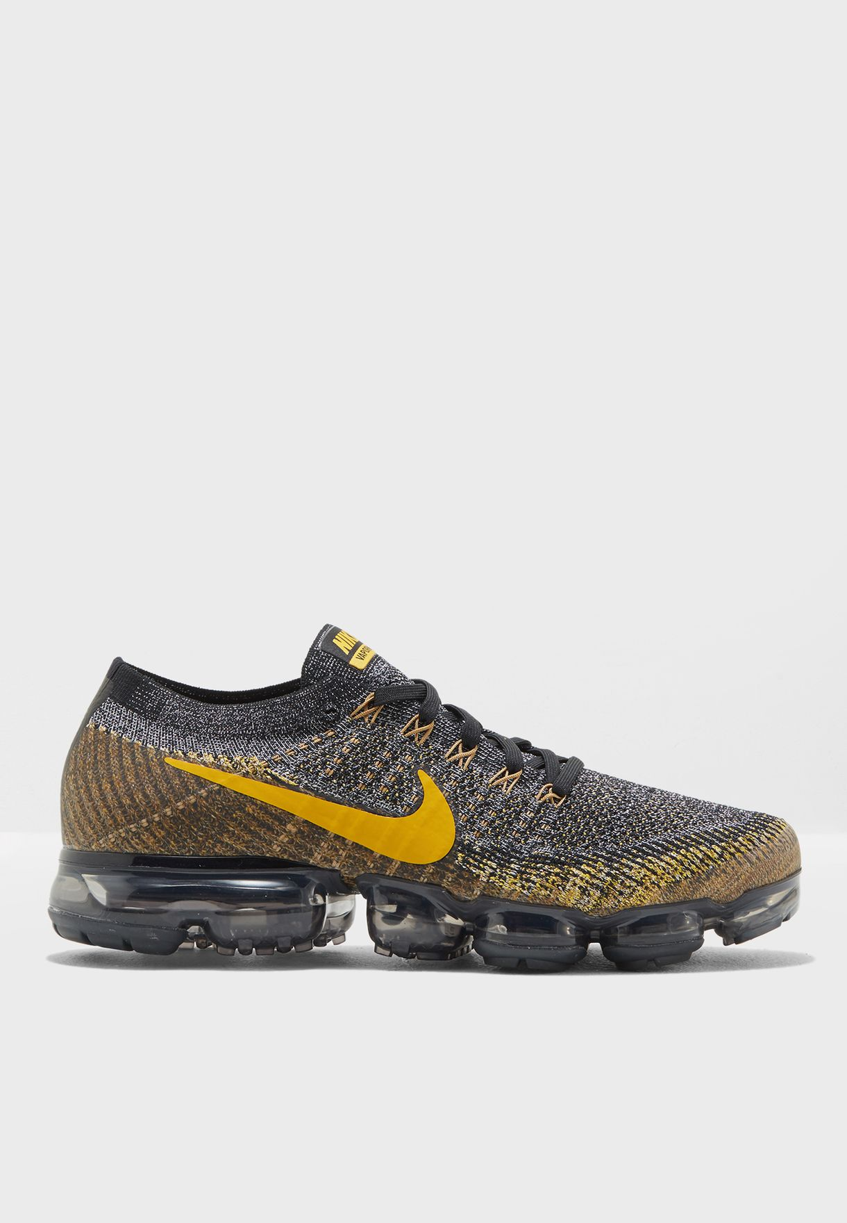 78d073b8e57ad Shop Nike multicolor Vapormax Flyknit 849558-021 for Men in Oman ...