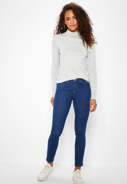 Push Up Clean Straight Leg Jeans