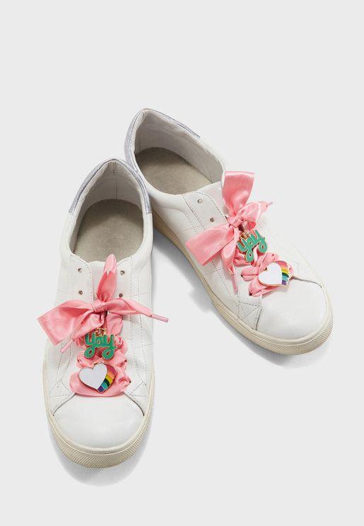 مجموعة دبابيس للحذاء