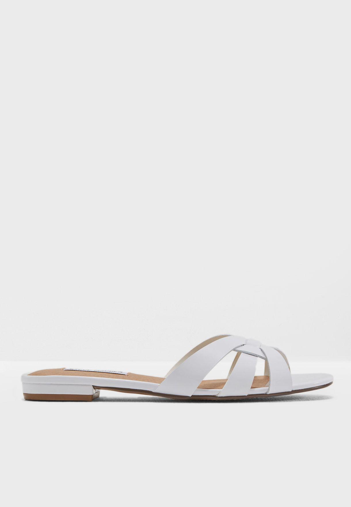 75d1b9e2c Shop Steve Madden white Kindly Flat Sandal KINDLY for Women in Qatar ...