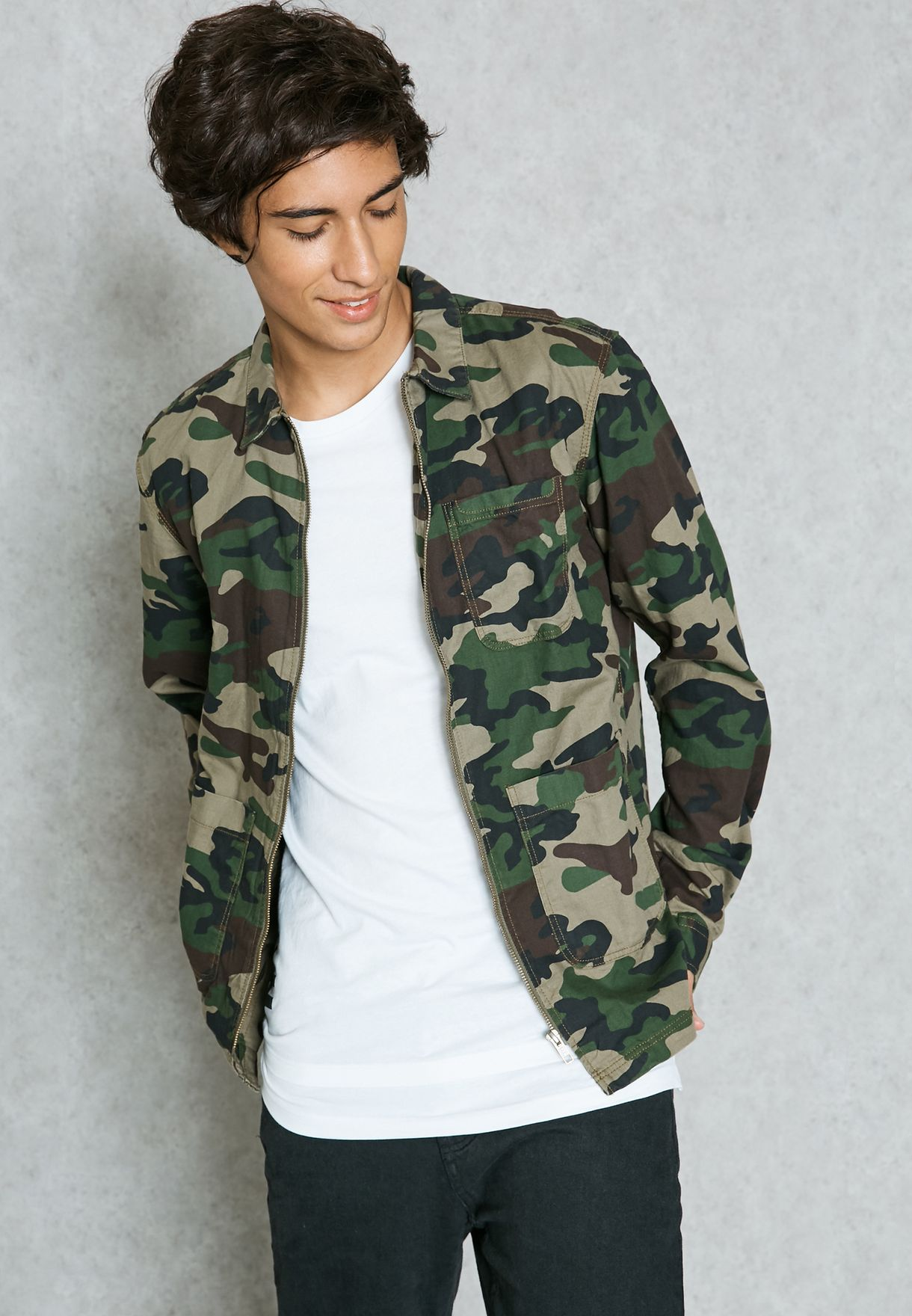 6ea98aad0 Shop Jack Jones prints Camouflage Zip Jacket 12109321 for Men in UAE ...