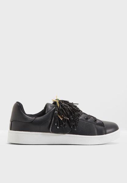 Beth Sneaker