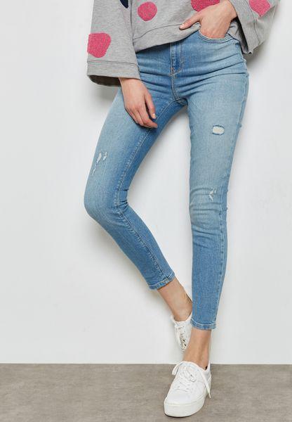 جينز بطول الكاحل