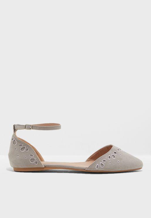 7145e58e1d640 احذية فلات متنوعة للنساء ماركة نيو لوك 2019 - نمشي السعودية