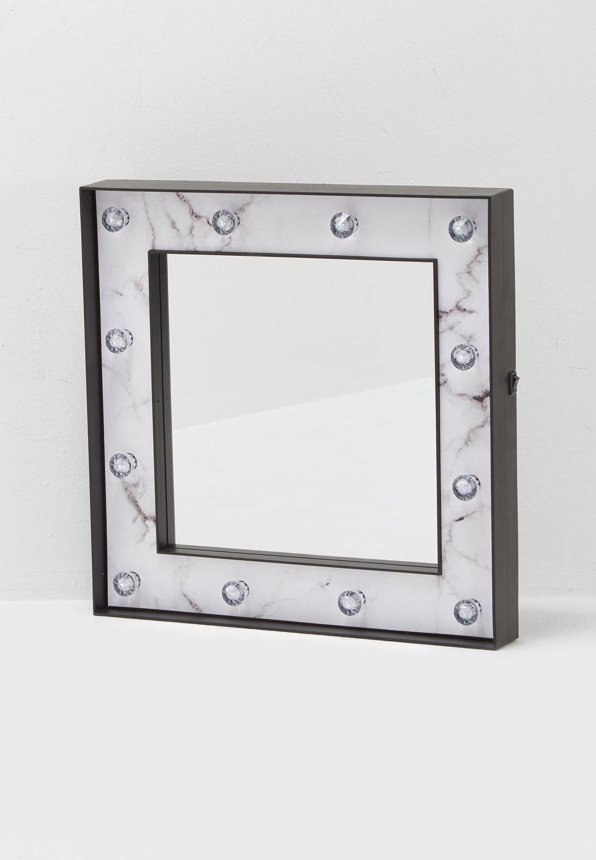 مرآة انيقة